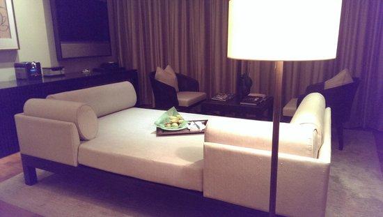 Capella Singapore: Living room