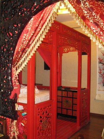 Double Happiness Beijing Courtyard Hotel: The bed was amazing