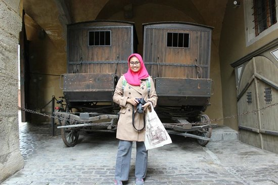 Medieval Crime Museum (Mittelalterliches Kriminalmuseum): take me with this vehicle honey