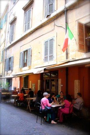 Pizzeria da Baffetto : Street seating is fun on a nice day!