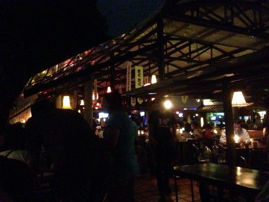 The Good View Bar & Restaurant Chiang Mai : We were say next to the river