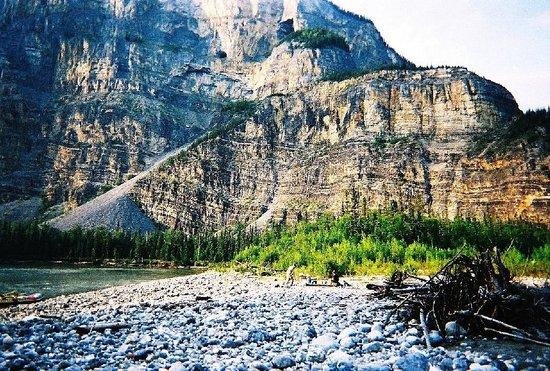 Nahanni National Park: Nahanni Park At Prairie Creek
