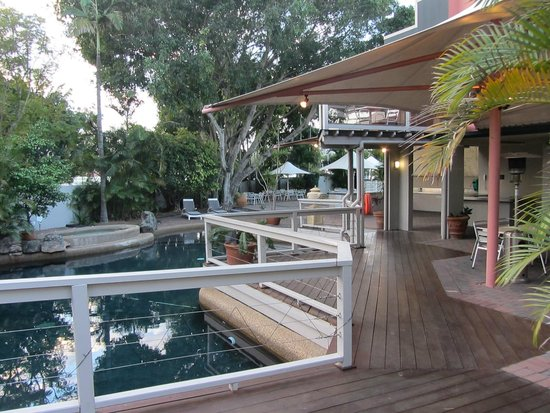 Nice pool and bbq area picture of brisbane riverview for Top boutique hotels queensland