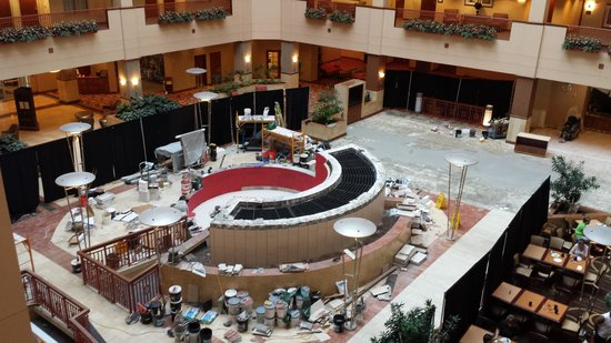 Embassy Suites by Hilton Nashville South/Cool Springs: the lobby construction
