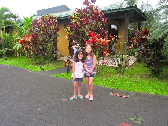 Arenal Manoa Hotel: outside our room