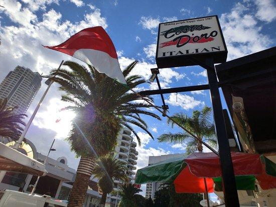 Costa D'oro Italian Restaurant & Pizzeria: Nice view here~