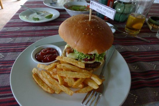 Weather Spoon's Bagan Restaurant and Bar : Weather Spoon's burger - great!