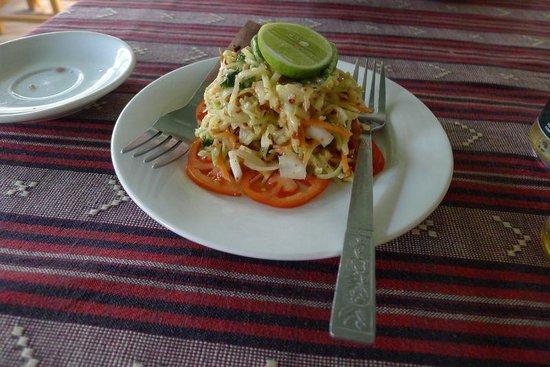 Weather Spoon's Bagan Restaurant and Bar : papaya salad