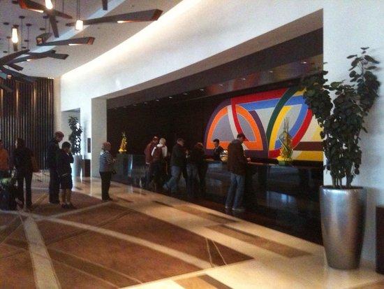 Vdara Hotel & Spa: The lobby