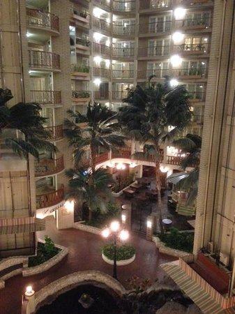 Embassy Suites by Hilton Austin Arboretum: Embassy Suites 5th Floor