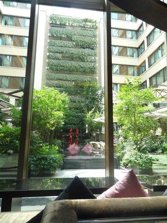 Mandarin Oriental, Paris : Hotel Courtyard
