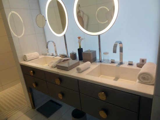 Mandarin Oriental, Paris: Bathroom