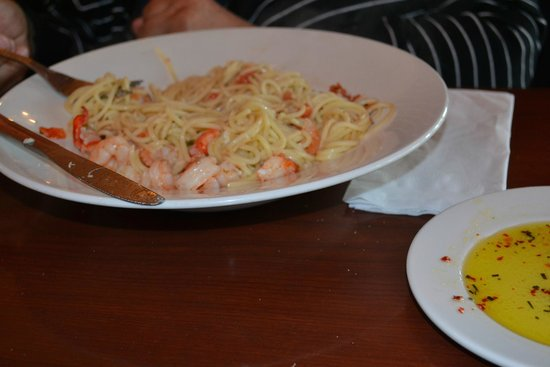 Bertucci's Kitchen & Bar: Lobster and Shrimp Scampi