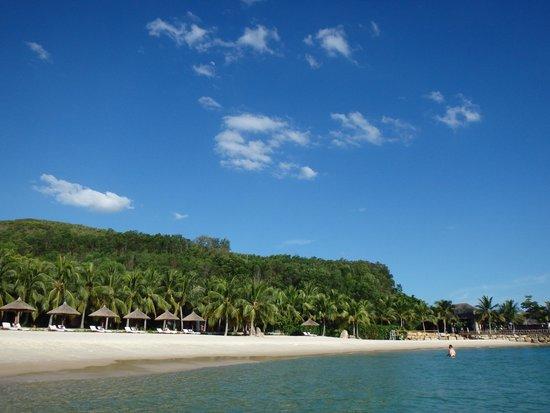 Vinpearl Luxury Nha Trang: プライベートビーチ