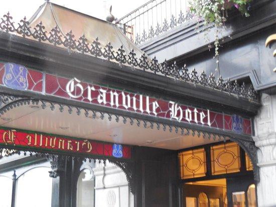 Granville Hotel : Entrance.
