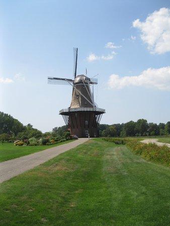 Windmill Island Gardens: De Zwaan