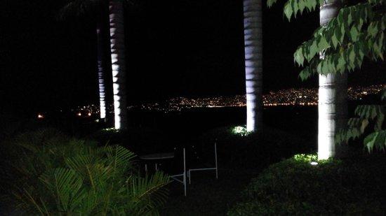 Hotel Encanto : Vista a la Bahía, desde el Restaurante Origen