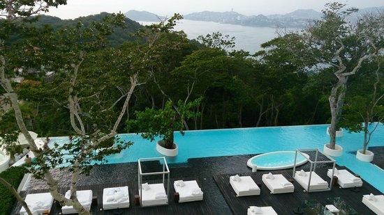 Hotel Encanto : Una excelente piscina