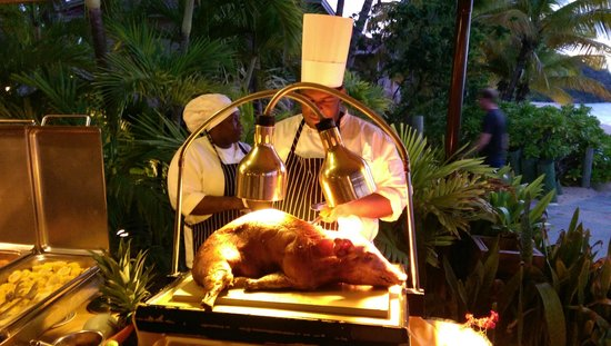 Galley Bay Resort: Thursday Night Barbecue - Yum!