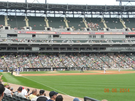 Guaranteed Rate Field: Grey and black stadium