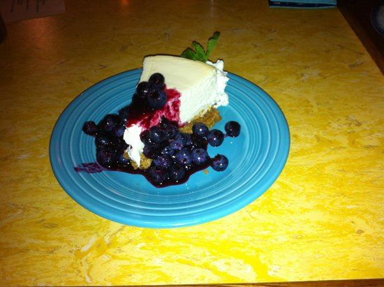 Hope and Olive : Lemon Cheesecake with Blueberry compote