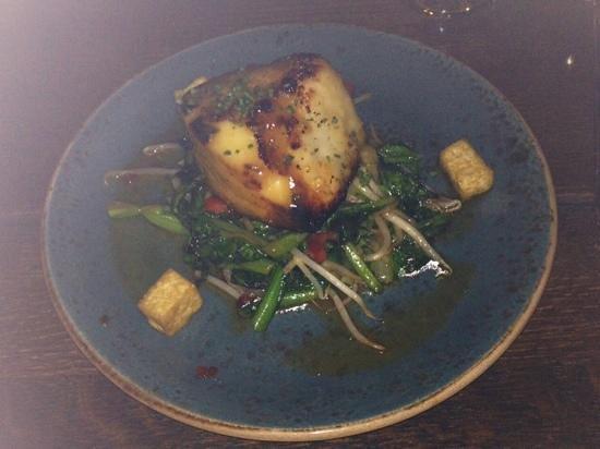 Tao Restaurant and Nightclub: Miso glazed Chilean Sea Bass with wok vegetables