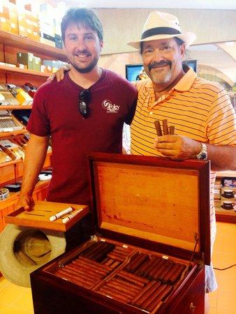 Havana Bob's Cuban Cigars: Bob's cigar trunk: Cuban imported tabaco leaves, hand rolled by him on Cozumel.