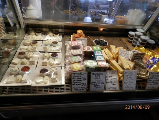 Yarra Valley Dairy: more cheese