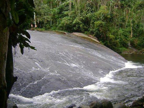 Pousada Vistamar: Uma das cachoeiras que visitamos..