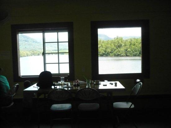 Nett Ramen Cafe Restaurant: Inside restaurant
