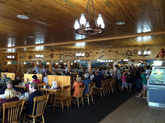 Fisherman's Wharf Lobster Suppers: Inside
