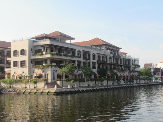 Casa del Rio Melaka: Hotel from Jetty for boat Cruise