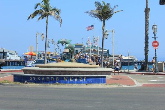 Santa Barbara Waterfront: Entry to the pier at Santa Barbara