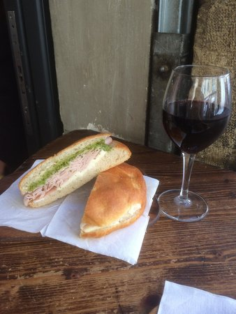 Il Panino del Chianti: Great spot for a really good and cheap lunch!!