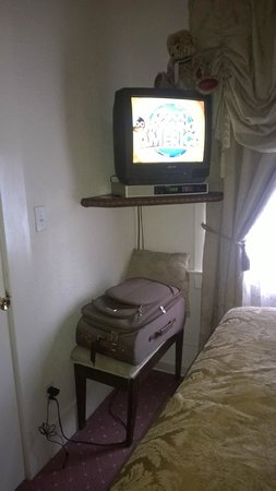 The Lodge Resort and Spa: Television and clearance