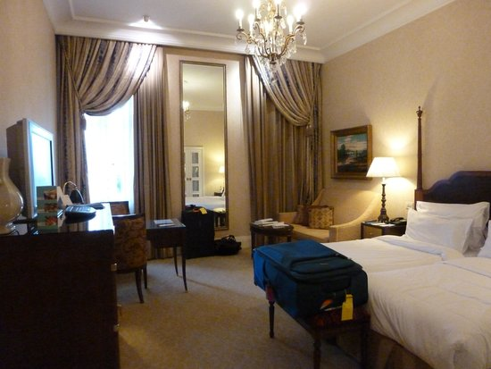 The Ritz-Carlton, Budapest : hotel room