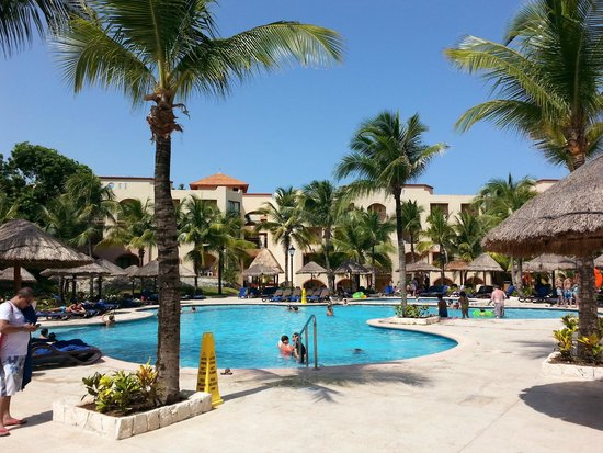 Sandos Playacar Beach Resort : Una de las albercas