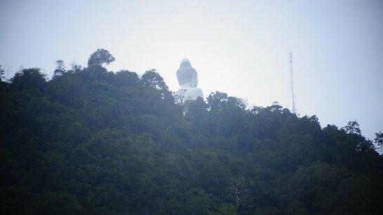 Baan Halle Hallo: roadside view from 4th floor of hotel, Big Buddha