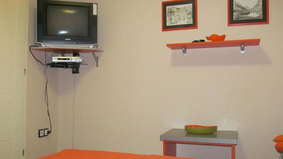 Apartmani Cetkovic: Оранжевые апартаменты на 1-м этаже