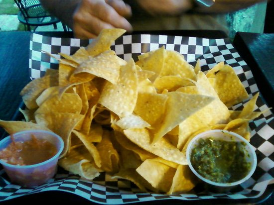 Breckenridge Tap House : Chips with two types of salsa.