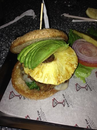 Burger Bar : Build your own burger with avocado and pineapple!