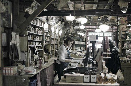 Vermont Country Store: interior