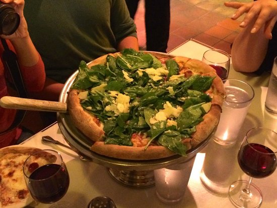 Avital Food Tours: Tommaso's Spinach and Parmesan Pizza