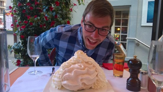 Restaurant Whymper-Stube: Meringue the size of a head!