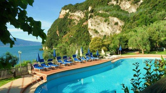 Hotel San Giorgio: Traumhafte Lage für einen Pool