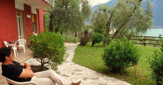 Hotel San Giorgio: Blick vom Zimmer auf den See