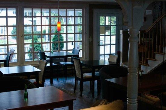 Mon Vert Cafe : interior