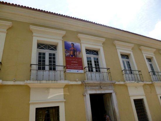 Espaco Cultural Casa das Onze Janelas : A casa...
