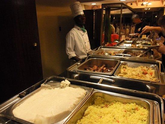 Elephant Hills Resort: 夕食