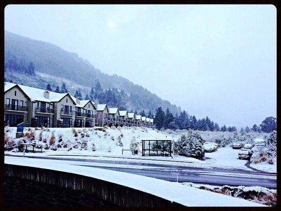 Heritage Queenstown: Winter view of the Heritage Villas
